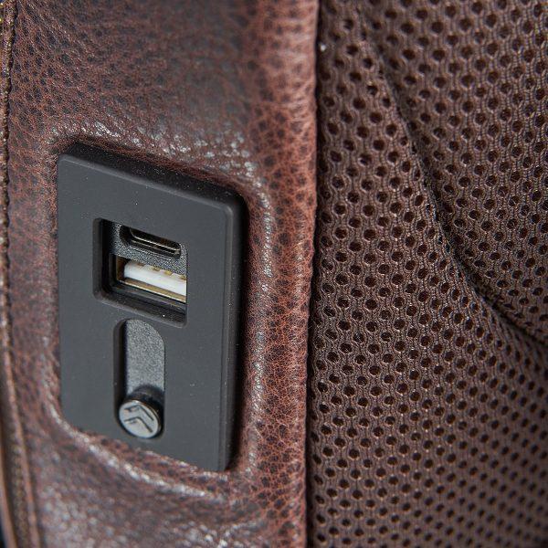 Packenger Lederruckack Dallas mit integrierter Powerbank